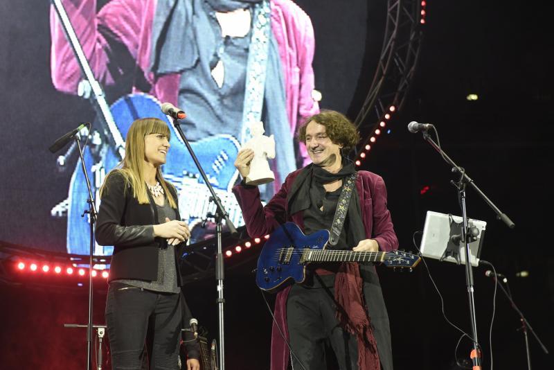 Glazbenik je nagradu dobio na koncertu u Areni (Foto: Damil Kalogjera)